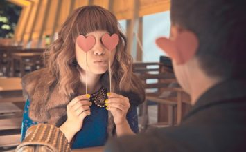 13 Easy Ways to Avoid Falling in Love with Someone –