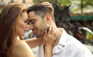 13 Lusty Signs of Sexual Attraction to Keep an Eye On