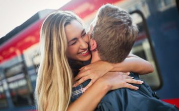 Friendly vs Flirty: 12 Subtle Hints to Stop Reading the Wrong Signs –