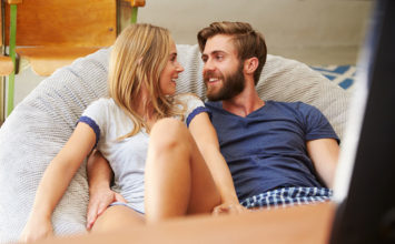 Horny Girlfriend Alert! 10 Signs She's Totally in the Mood
