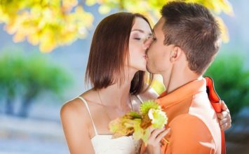 How to Get a Guy to Kiss You When You Want Him To!