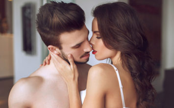 How to Hook Up With a Guy and Do It the Right Way