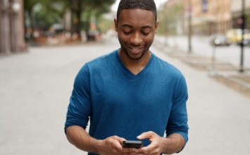 How to Impress a Girl Over Text: 7 Rules to Make Her Fall for You