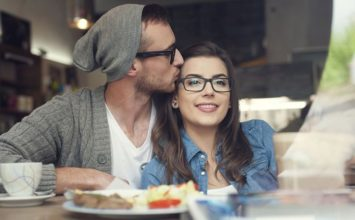 How to Keep a Girl Interested: 22 Ways to Make Her Want More of You