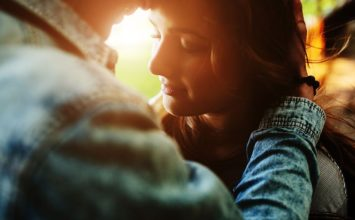 20 Very Real Soulmate Signs You've Met the One Destined for You