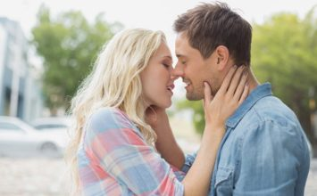 15 Sexy Ways to Tongue Kiss and Arouse Your Date in Seconds