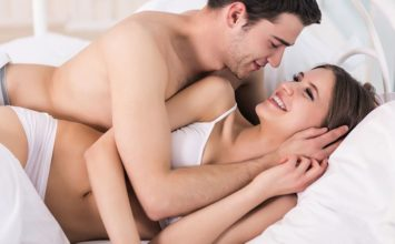 How to Spoon Right: 11 Tips to Make Spooning More Intimate