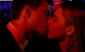 What Makes a Man Want to Kiss a Woman? The Most Kissable Traits –